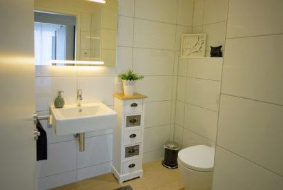 Moderne, helle Nichtraucher-Wohnung mit Einbauküche
